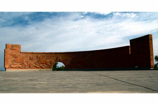 Sardarapat Memorial, Armenia